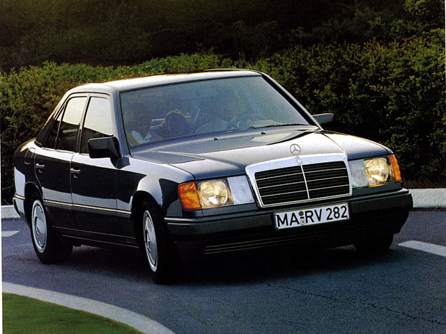 1989 Mercedes-Benz 200-serie Sedan 4-door