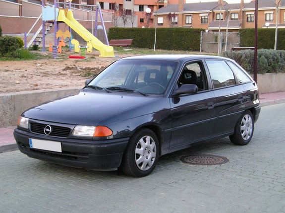 1994 Opel Astra Hatchback 5-door