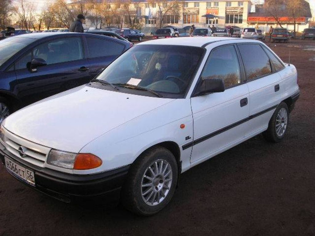 1994 Opel Astra Sedan 4-door