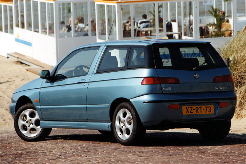 1999 Alfa Romeo 145 Hatchback 3-door