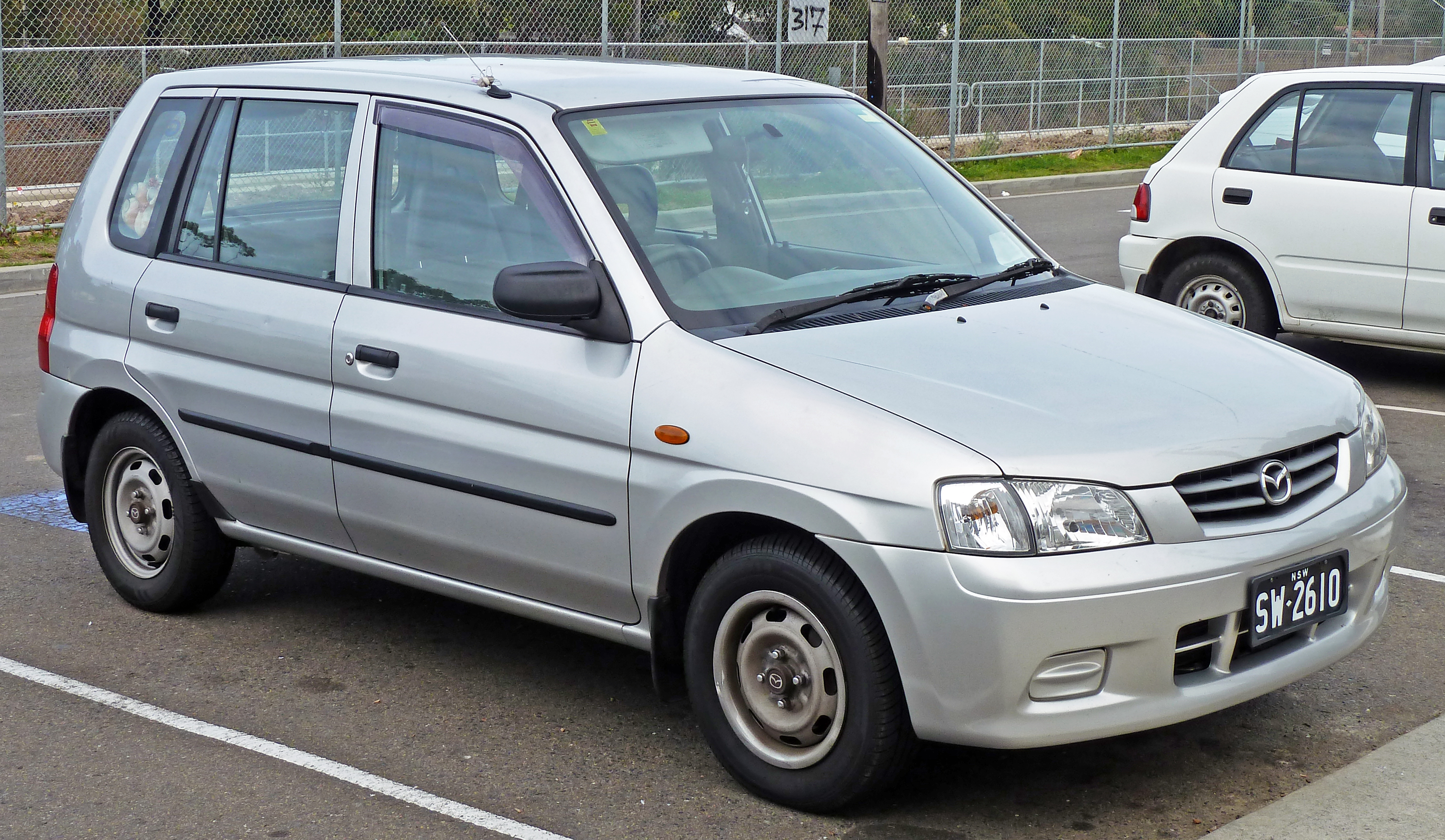 2000 Mazda 121 Hatchback 3-door
