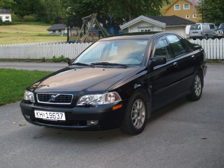 Volvo S40 cars specifications. Technical data.