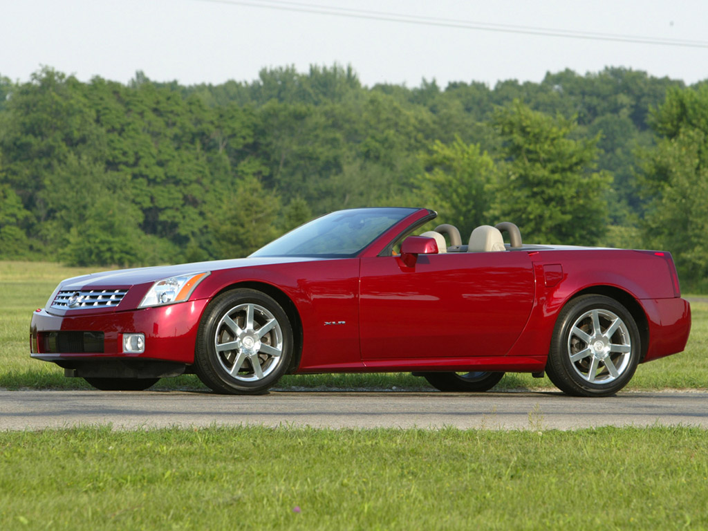 2004 Cadillac XLR Convertible 2-door