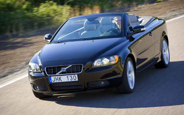 2009 Volvo C70 Convertible 2-door