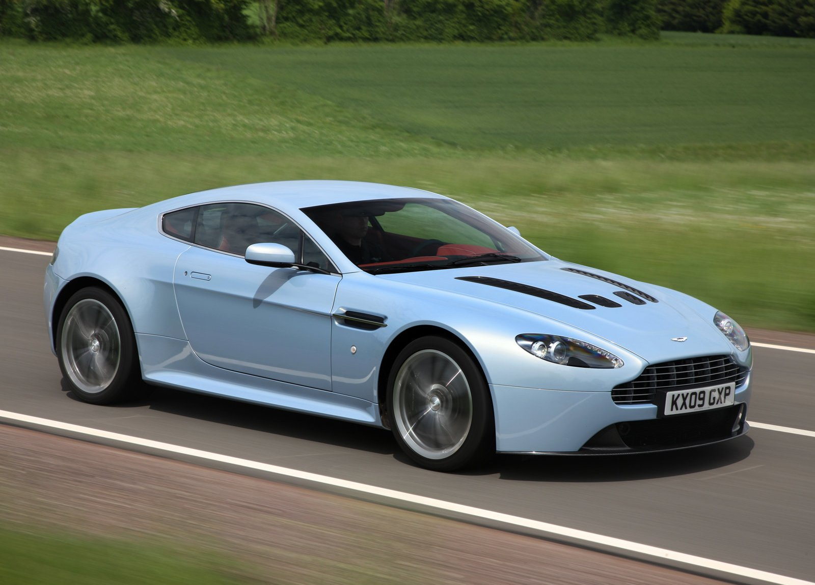 2010 Aston Martin V12 Vantage Coupe 2-door
