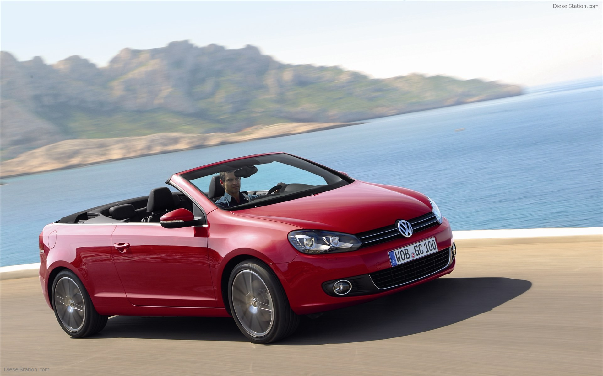 2011 Volkswagen Golf Cabriolet Convertible 2-door