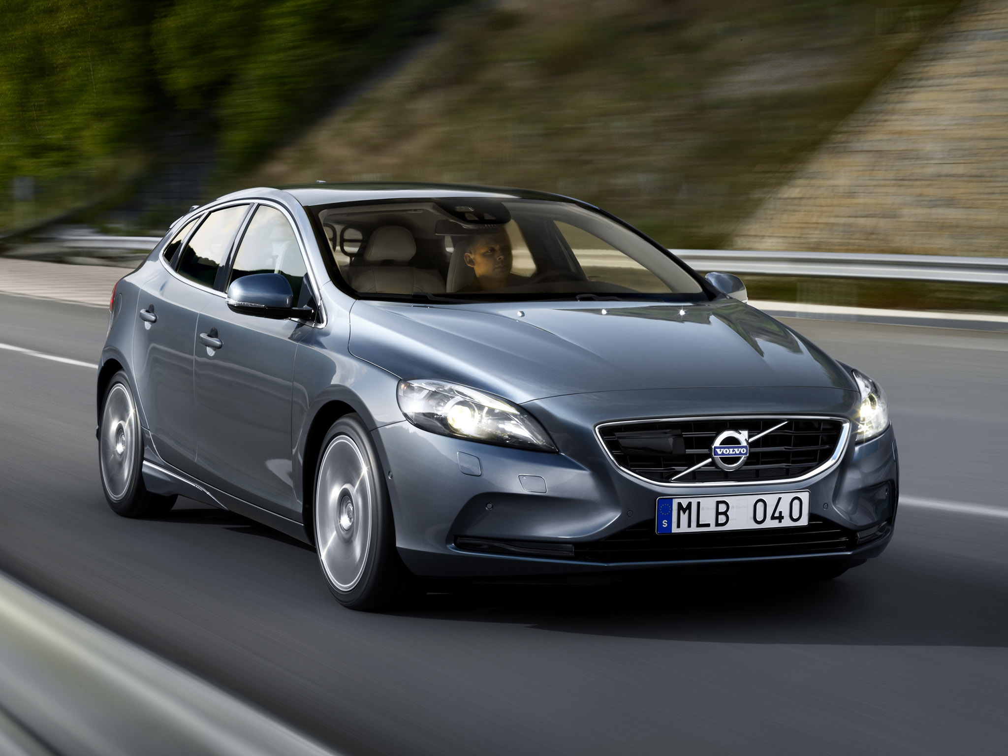 2012 Volvo V40 Hatchback 5-door